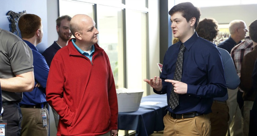 Cedar Falls Students Engage in Business Program